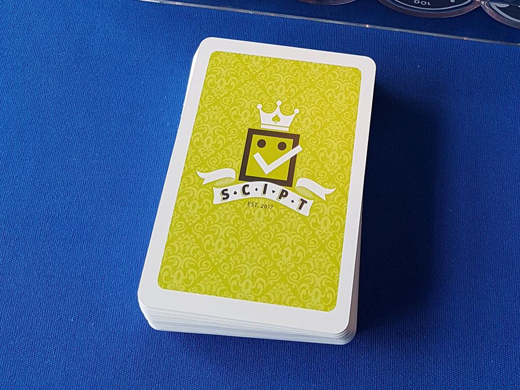 SCIPT logo og kortstokk